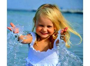 После купания в открытых водоемах девочка