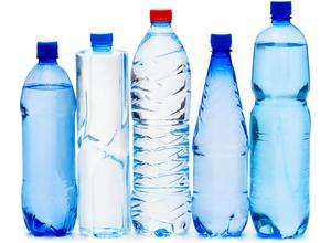 потреблении напитков из бутылок