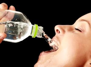 принимать большое количество жидкости