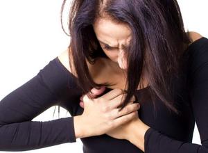 грудь продолжает болеть